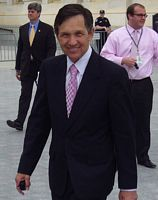 Photofit of man who invaded Campaign